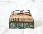 Books-and-glasses_(1)