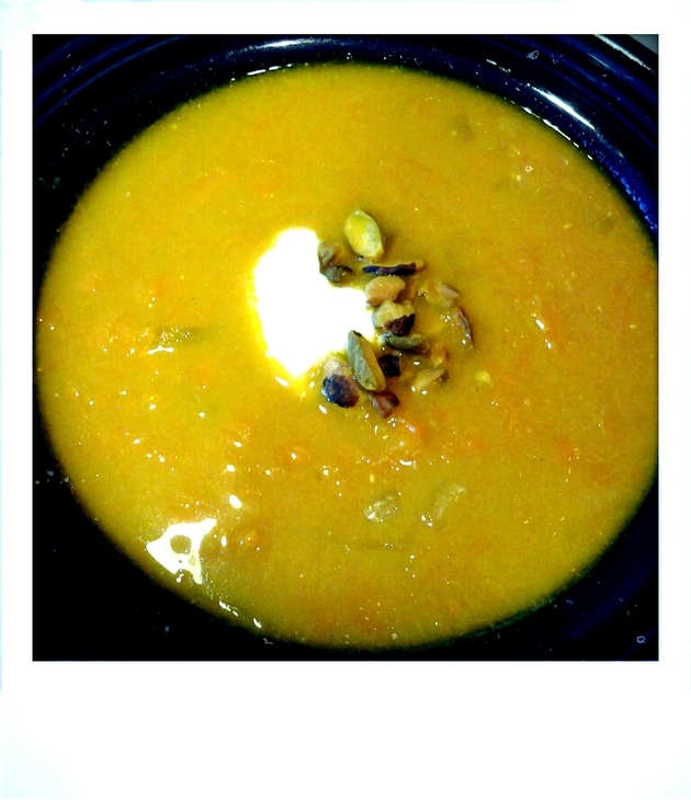 curried carrot soup with pistachios by alchemisty