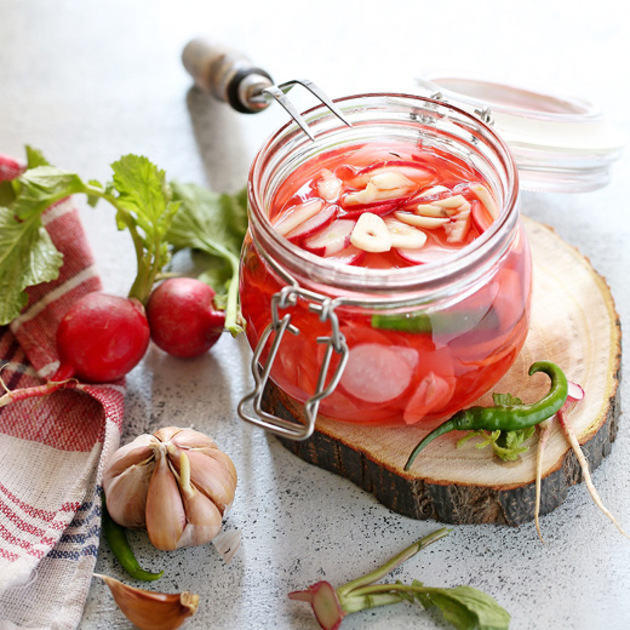 EASY PICKLED RED RADISHES by KanikaKatyal