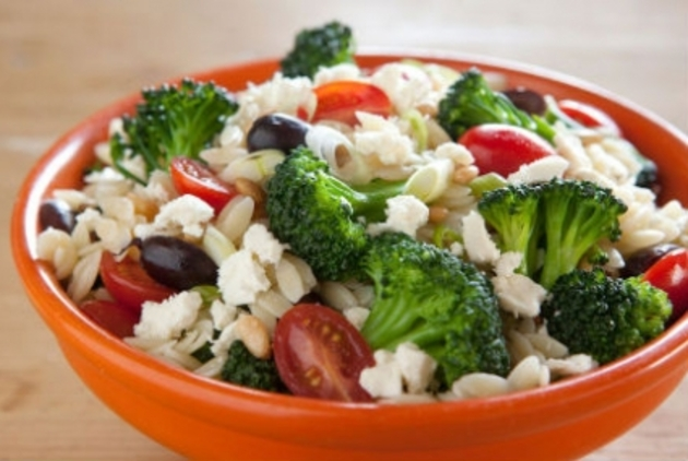 WARM ORZO SALAD WITH BROCCOLI AND TOMATOES by Lyn
