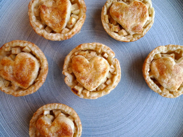 mini apple pies by joanie