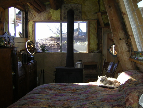 underground-house-bedroom.jpg