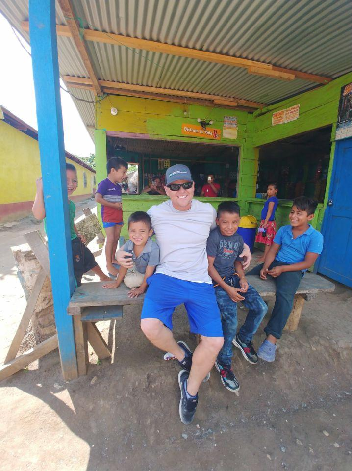 Mat Kilgore with Guatemalan children.