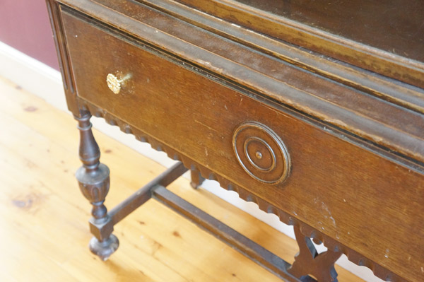 china-cabinet-closeup2