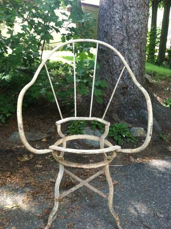 cl iron chair