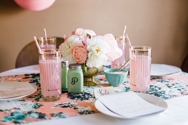dream green valentine table