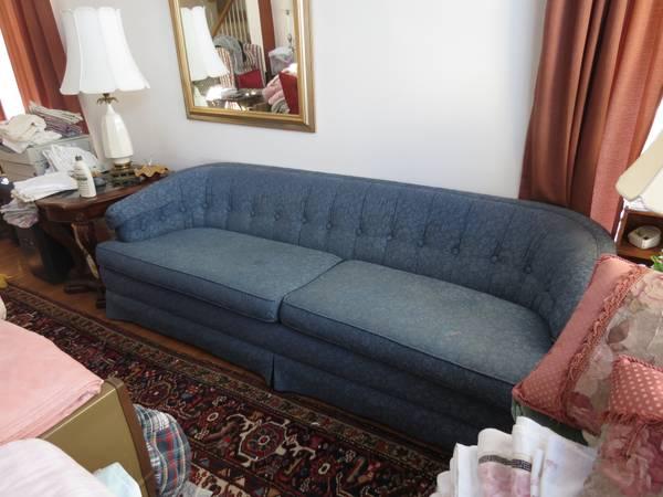 Craigslist ethan allen blue sofa