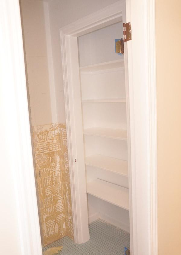 w9-bathroom-closet