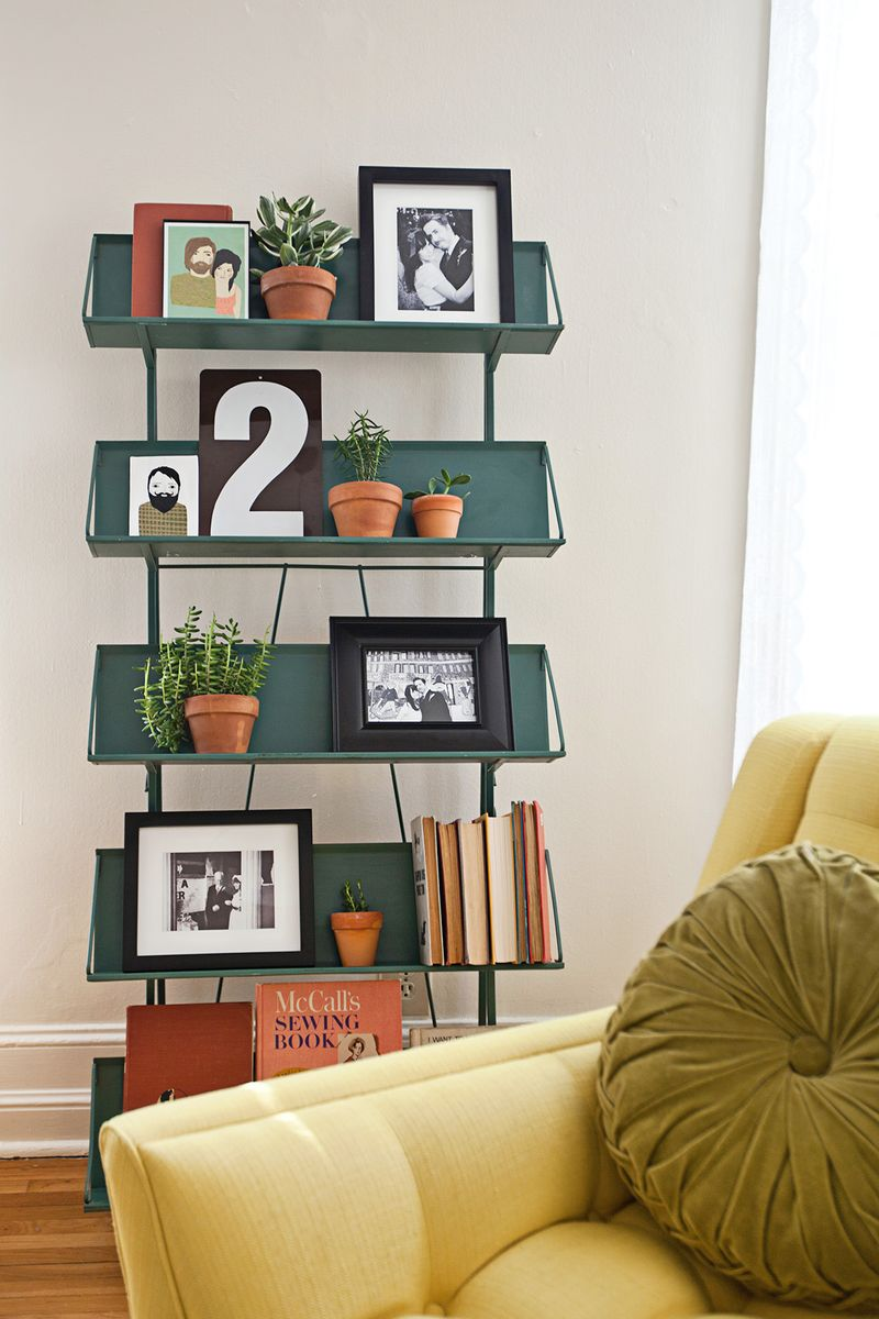a beautiful mess- elsies living room shelves
