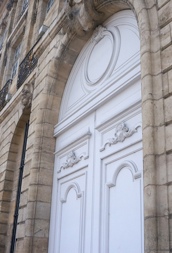 Fancy-White-bordeaux-door