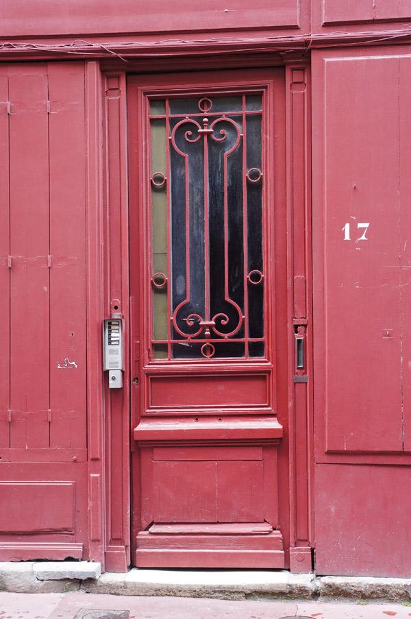 Red-bordeaux-door