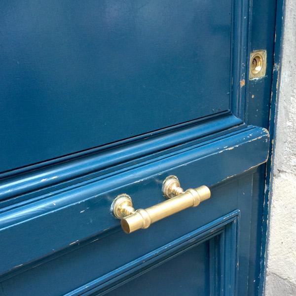 blue-bordeaux-door-chunky-handle