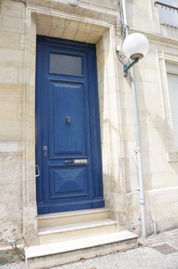blue-bordeaux-door