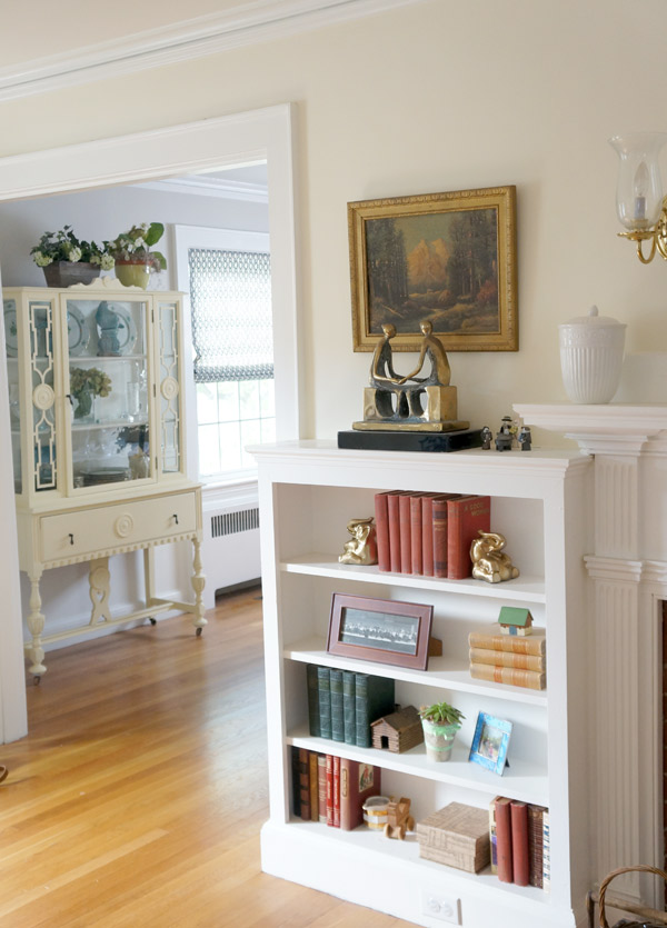 Susan's antique cape living room via Year of Serendipity