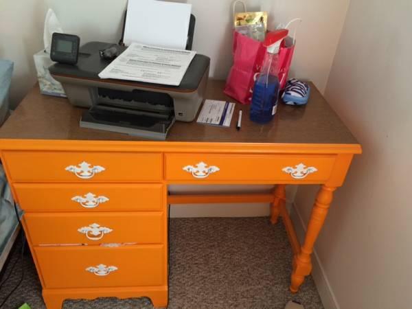 cl gorgeous orange desk