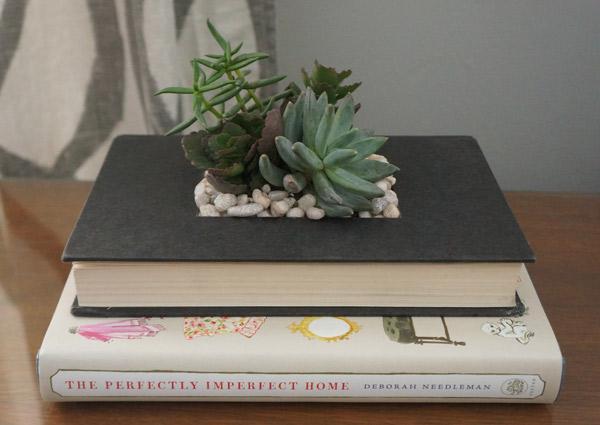 #swapitlikeitshot DIY book planter via Year of Serendipity