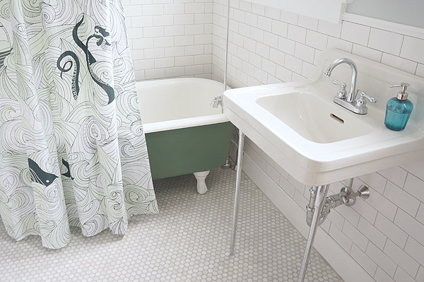 Millie the Fliphouse family bathroom reveal via Year of Serendipity