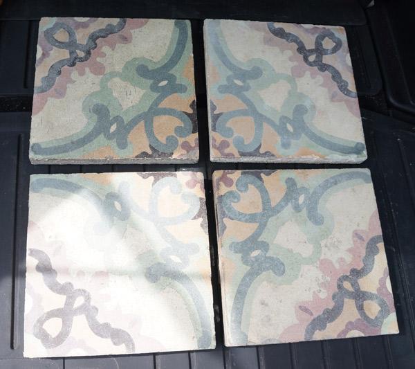 trunk-tiles