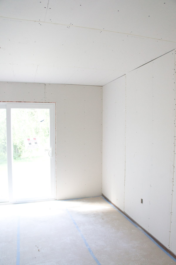 w7-drywalled-dining