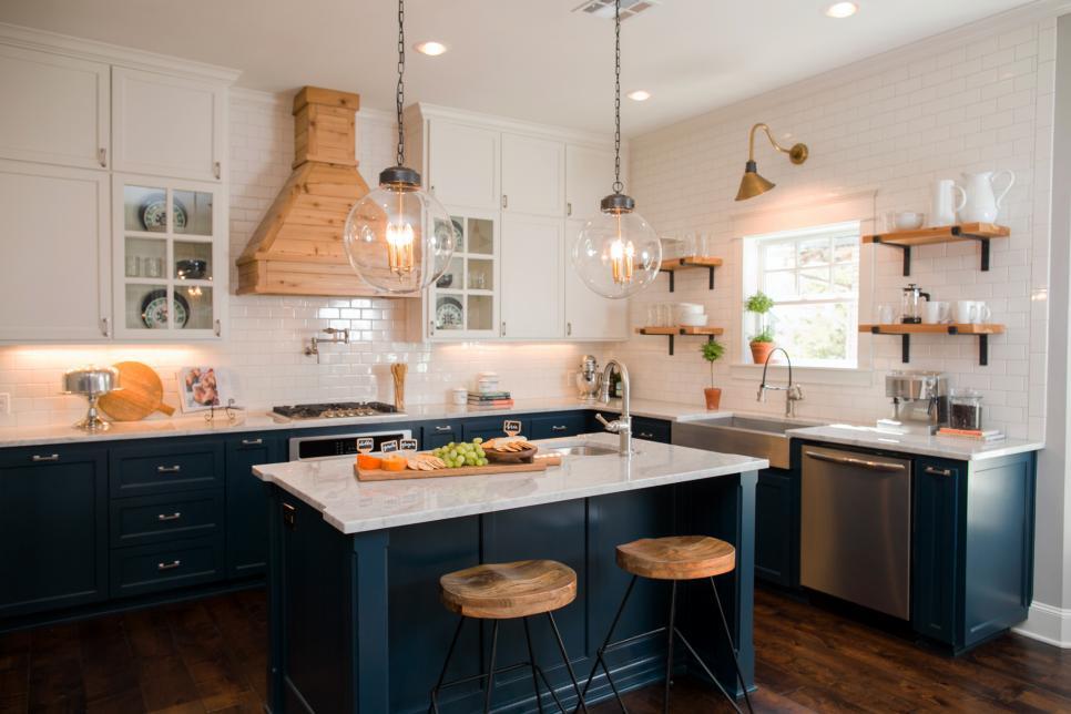 HGTV's Fixer Upper Craftsman Kitchen