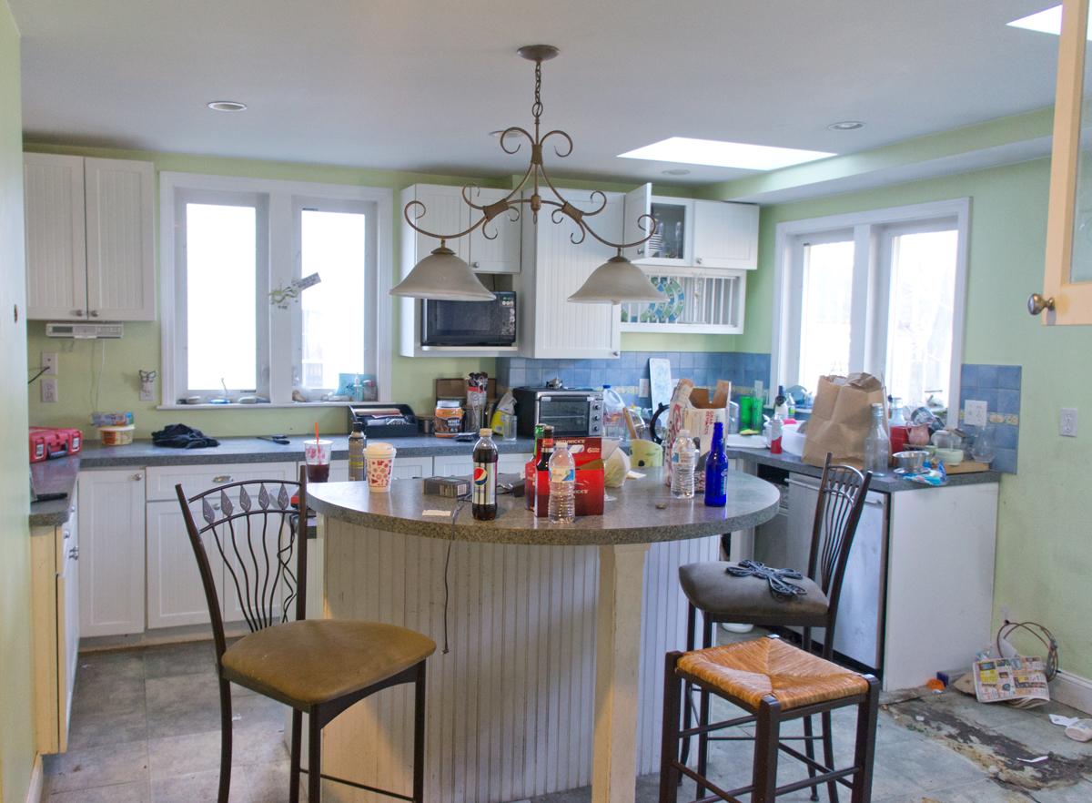 shorty-flip-house-kitchen