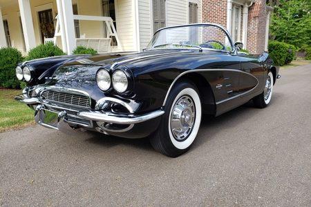 1961 Corvette picture #1