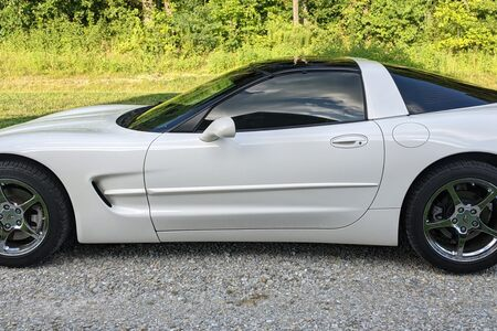 2001 2 dr Coupe picture #1