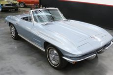 1964 chervolet corvette
