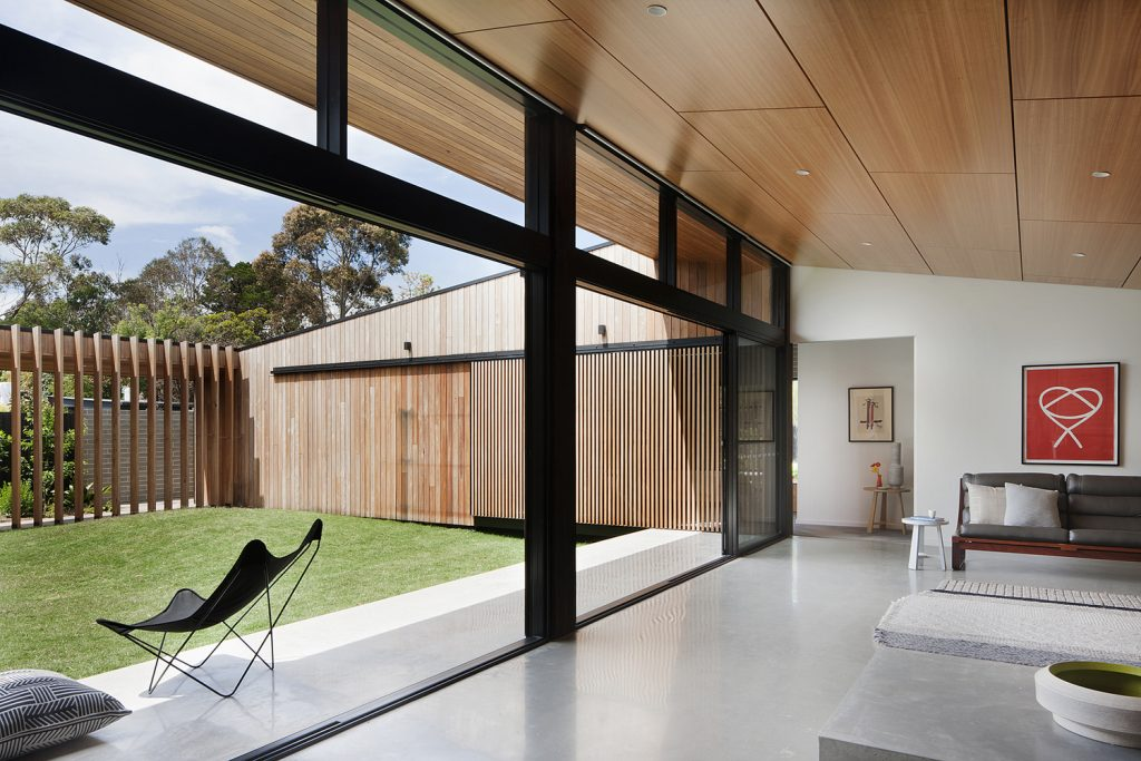 Hover house Australia by Bower Architecture