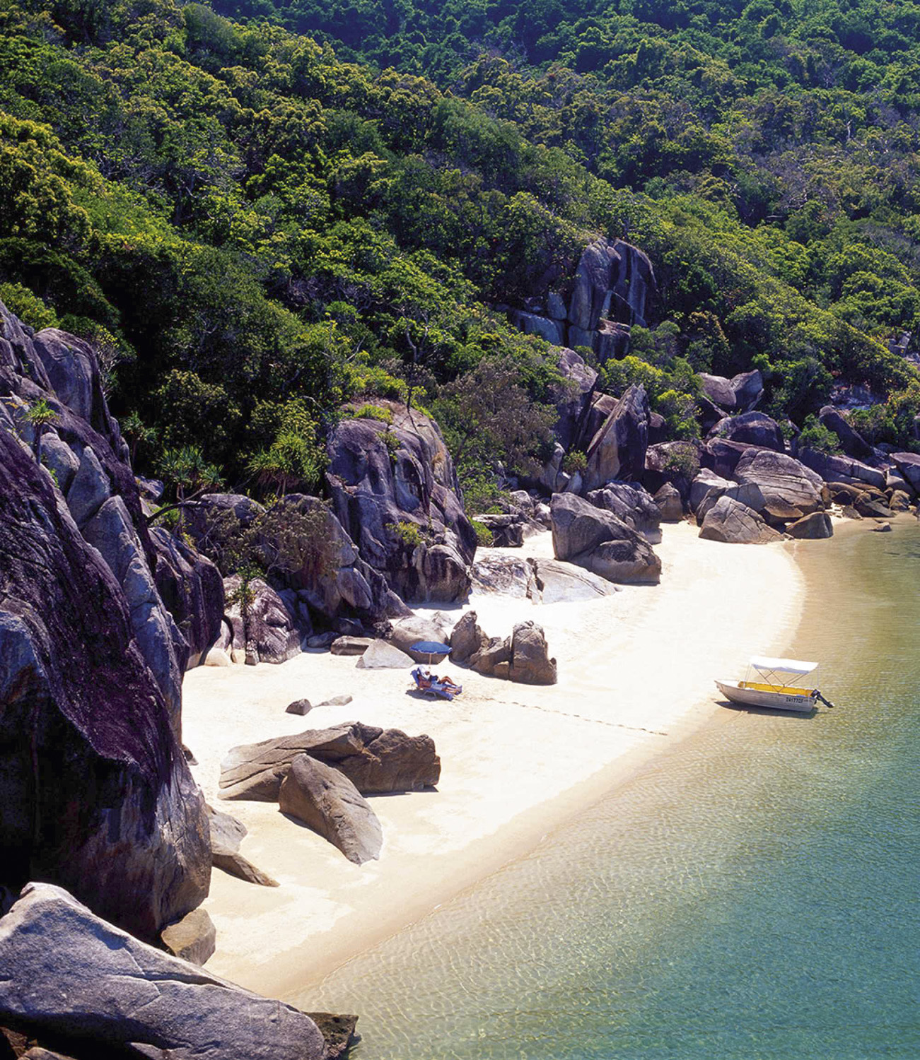 best-all-inclusives-in-the-south-pacific-bedarra-private-valley-beach