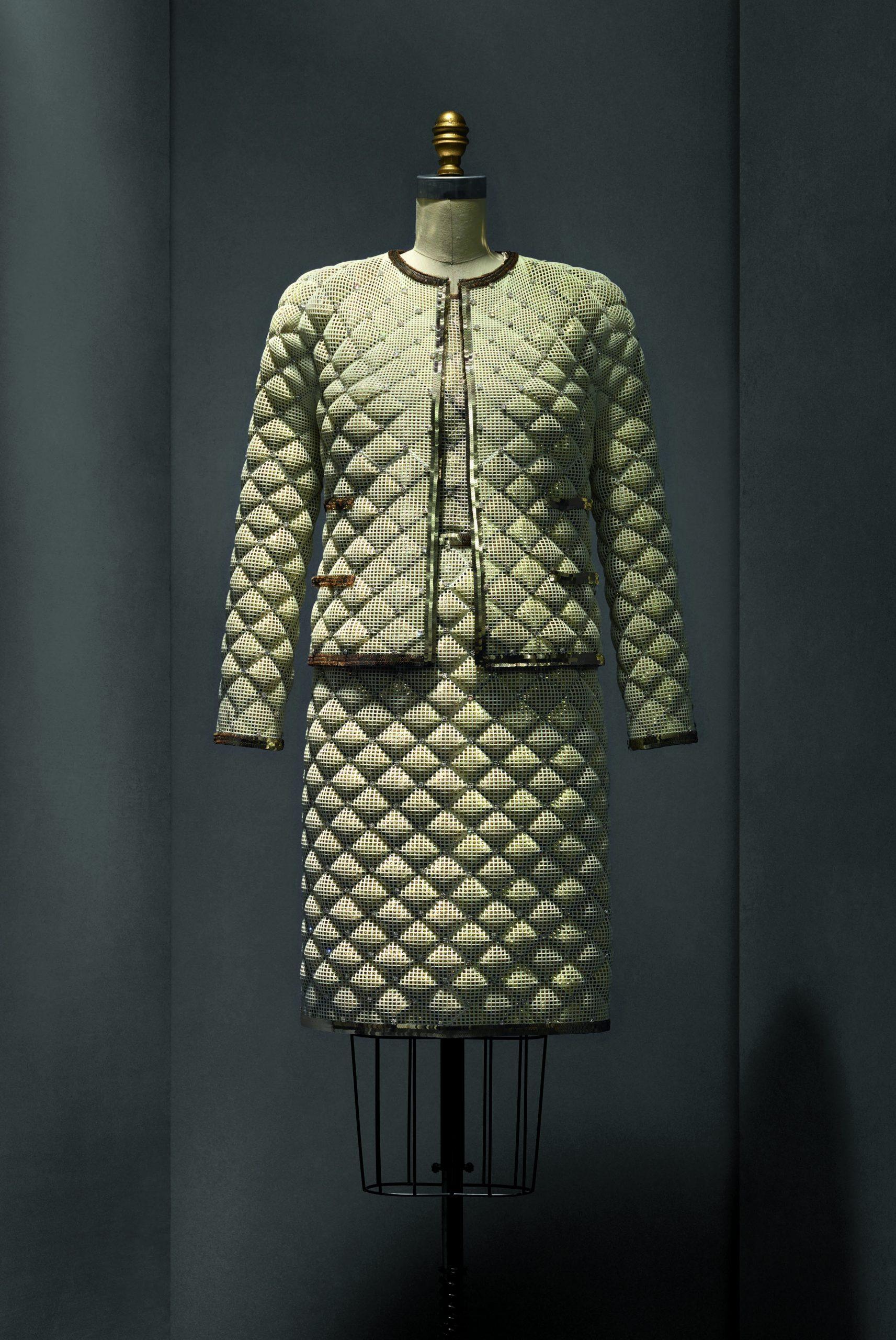 Traje de Coco Chanel de alta costura 1963-68.