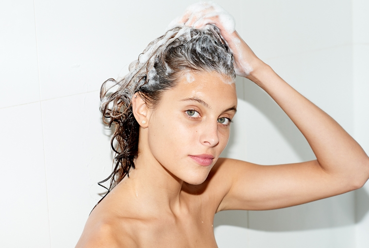 how-to-wash-hair-properly-760x510