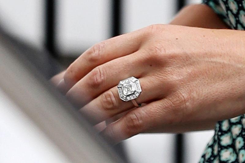 El anillo de compromiso de Pippa ha sido valorizado por los expertos en unos 235 mil euros.