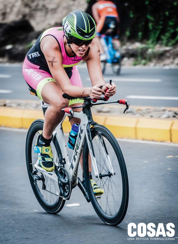 Lorena Imaña, estudiante de nutrición y triatleta.