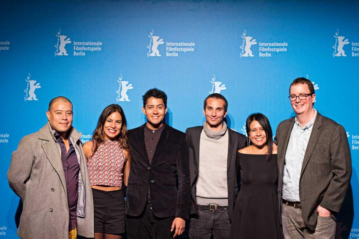 """César Fe, Elisa Tenaud, Gustavo Borjas, Adrián Saba, Carolina Denegri y Justin Beach en la presentación de """"El Soñador"""", en la Berlinale 2016."""