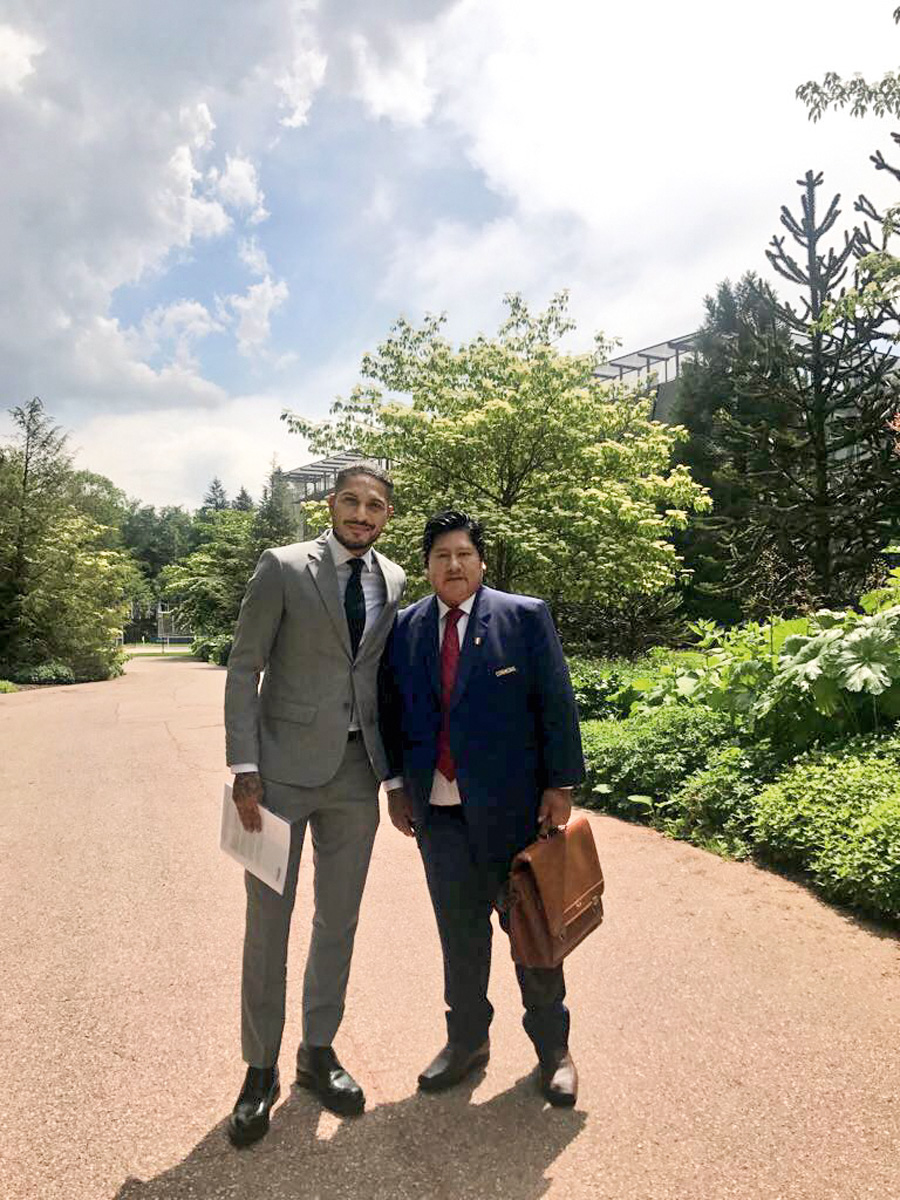 El 20 de mayo, Paolo Guerrero y Edwin Oviedo se reunieron en Suiza con Gianni Infantino, presidente de la FIFA.