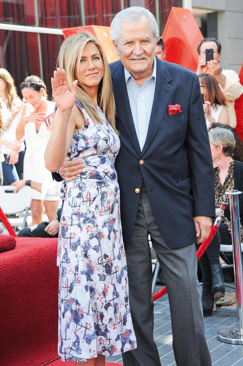 Jennifer Aniston y la estrella de telenovelas John Aniston.