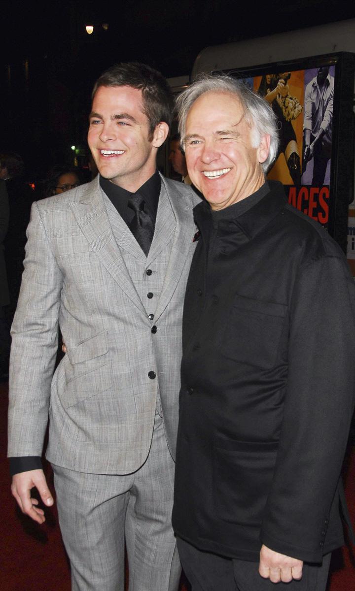 Los actores Chris y Robert Pine.