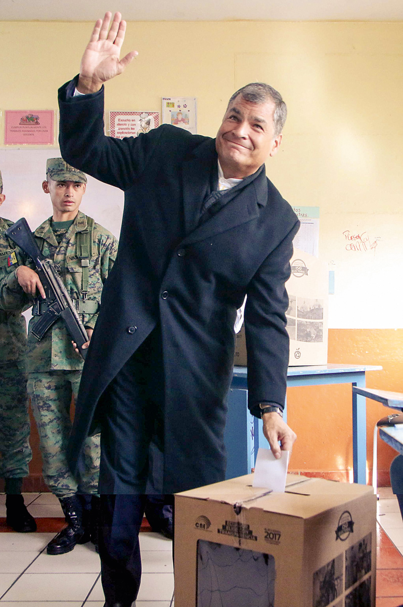 Rafael Correa vive en Bélgica, pero tendrá que presentarse cada quince días ante la justicia ecuatoriana por el presunto secuestro de un opositor a manos de policías en 2012.
