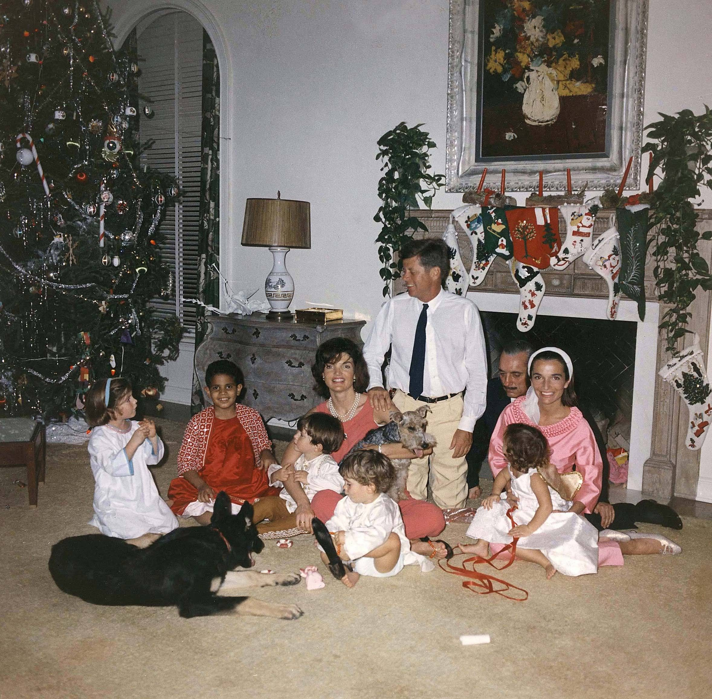 Los Kennedy en la Navidad de 1962. Ese año celebraron las fiestas con Lee Radziwill, hermana de la primera dama.