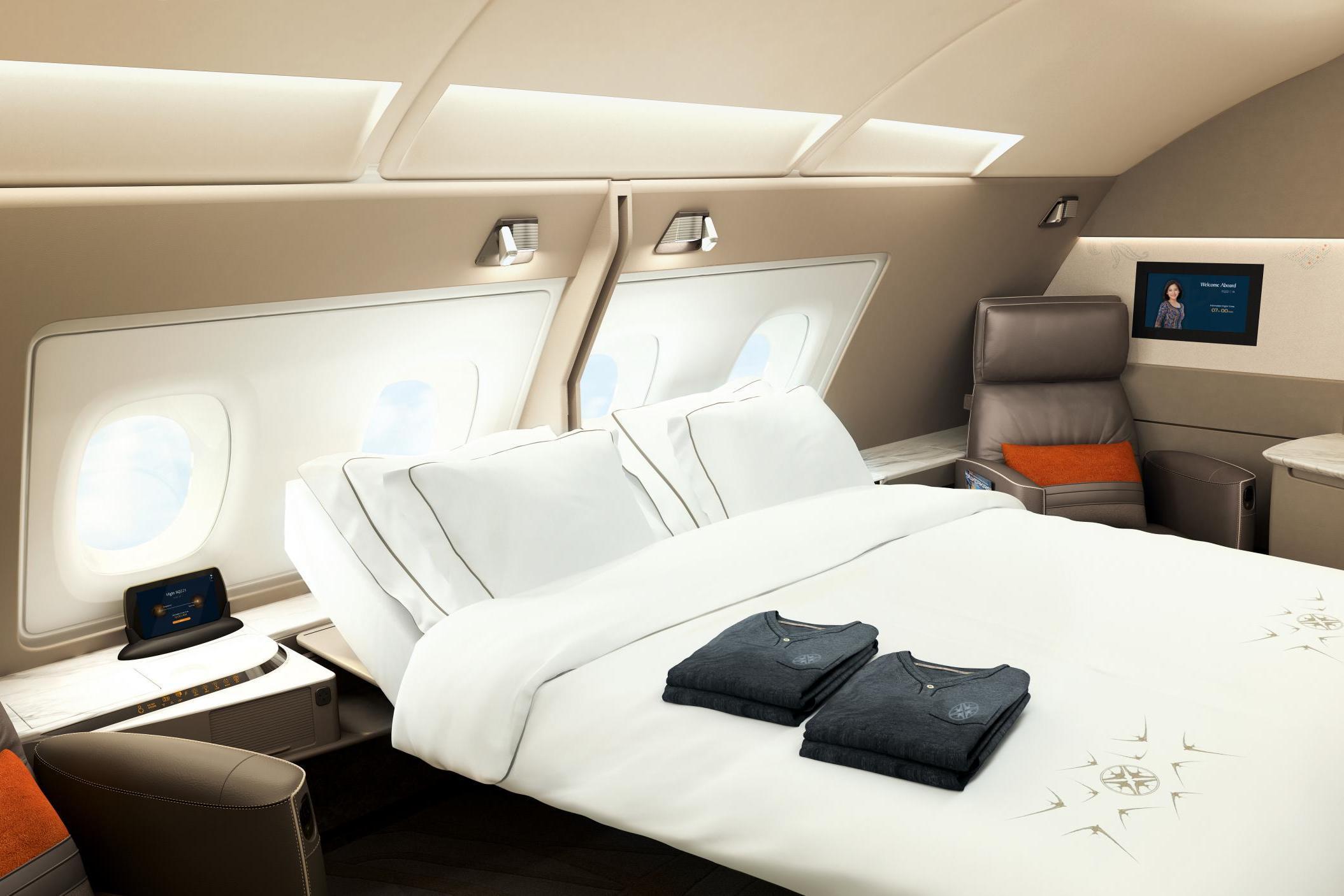 Cathay Pacific, en novena posición, tiene camas dobles en primera clase.