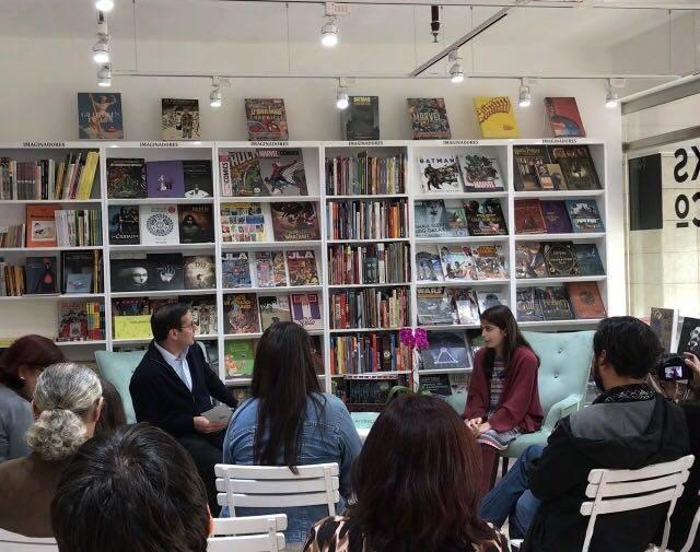 """""""Queremos unir la costa, sierra y selva a través de la lectura"""", dice Sandra Jiménez, gerente fundadora de """"Hojas de Cartón"""". Foto: Sandra Jiménez."""