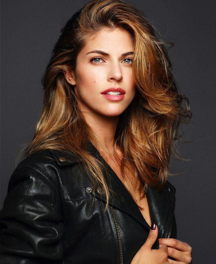 Stephanie Cayo 1