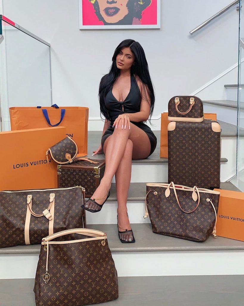 Kylie Jenner (33)