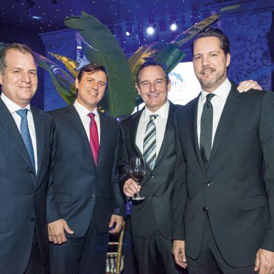 Gonzalo Ganoza, Luis López Guerra y Juan José Garrido Koechlin.