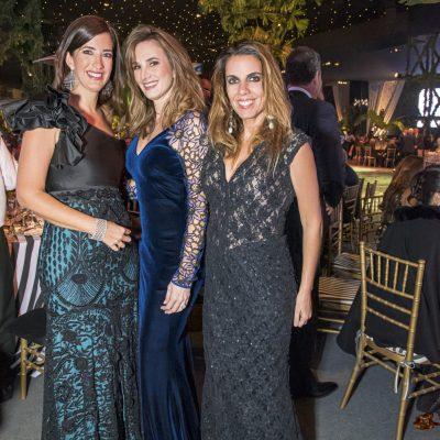 Claudia Marsano, Jackie Banchero y Jackie Simon.