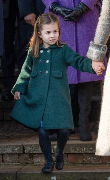 princesa Charlotte Cambridge Gucci 2