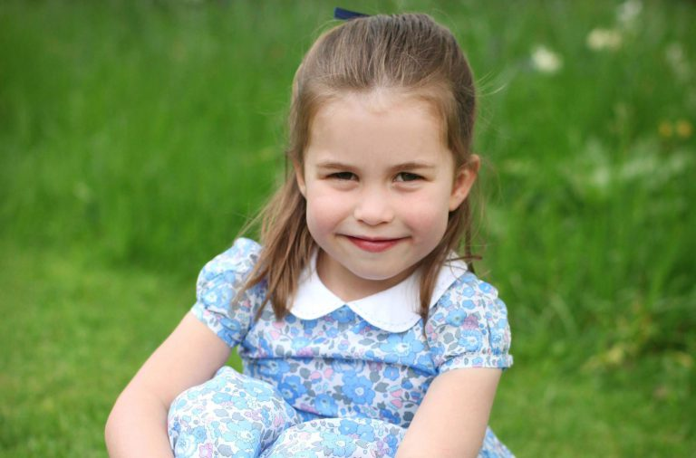 princesa Charlotte Cambridge Gucci 4