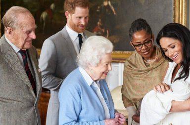Archie reina Elizabeth II (1)
