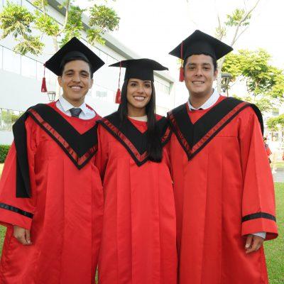 graduación Universidad de Ciencias Aplicadas 11